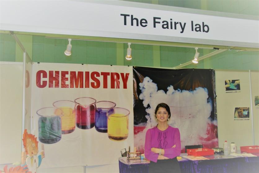Science fair-Chemistry booth